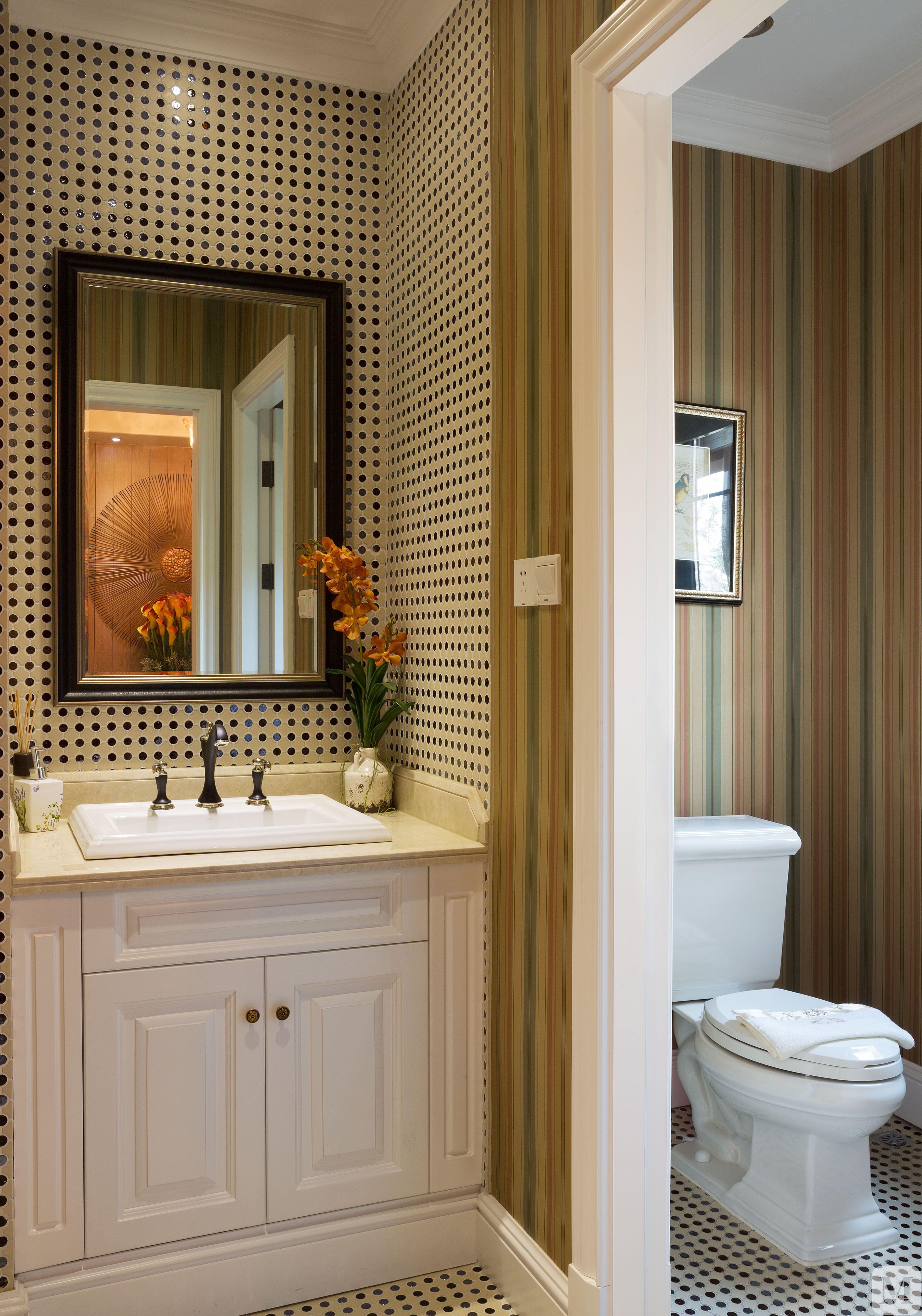 美式卫生间浴缸装修效果图