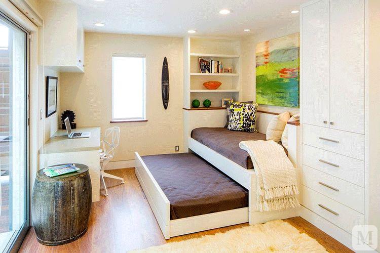 收起来是沙发,摇身一变又成了床,床尾的侧面留有空间,方便上铺的人上图片