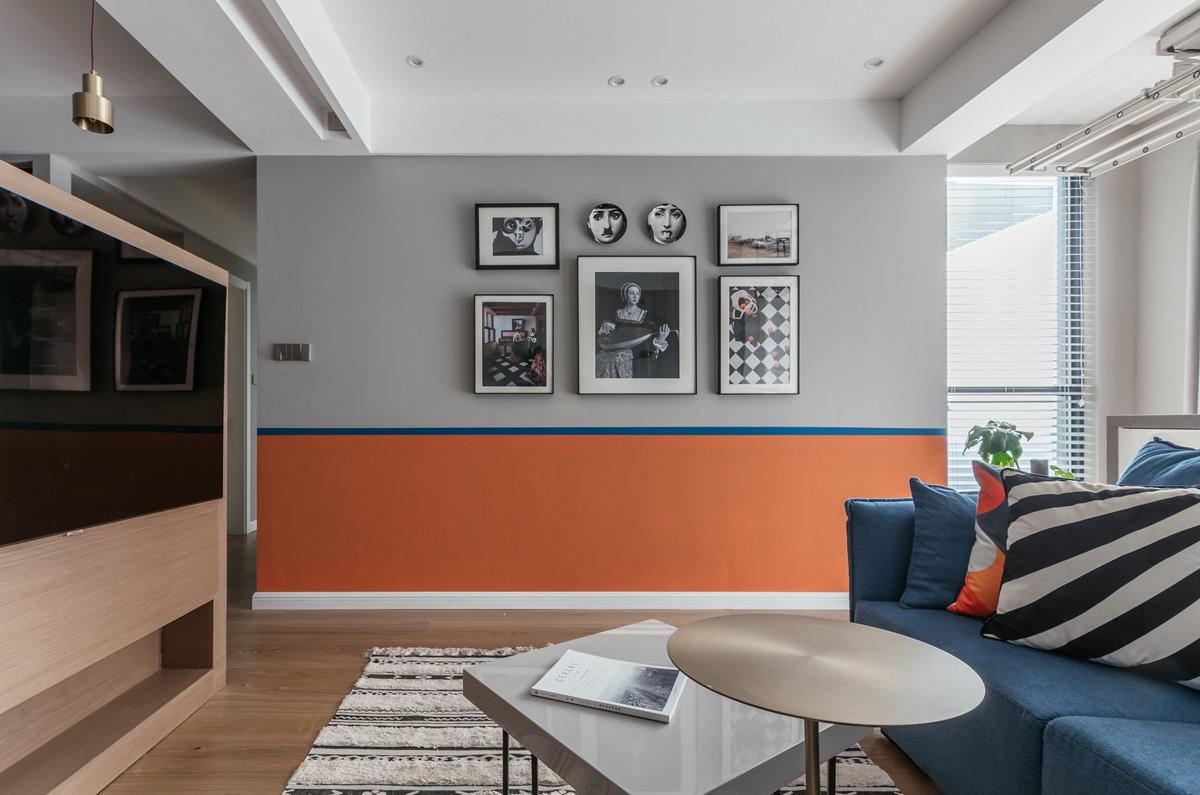 增加半堵电视墙,把客厅转个向,这个家发生了奇妙的变化!